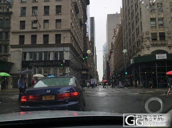 在纽约打了个样 看了几个一克拉以上的..._钻石