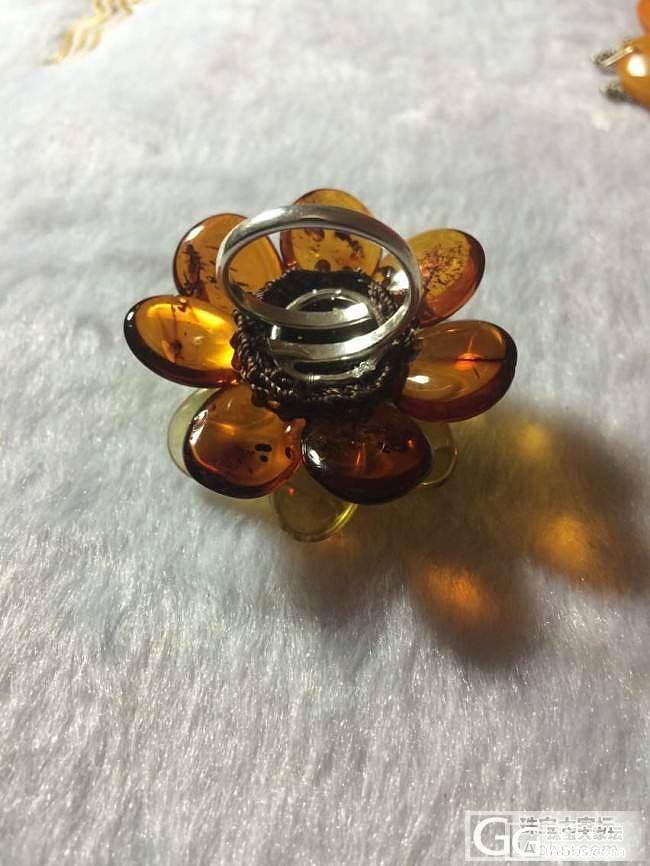 俄罗斯琥珀展采购中,大花花戒指,胸针_海淘珠宝