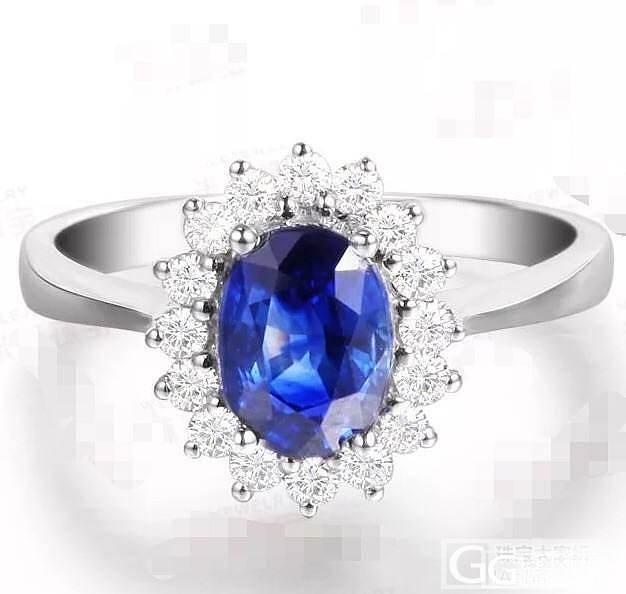 同样大小的两个蓝宝,无烧裸石和成品戒..._蓝宝石