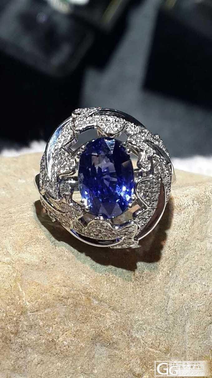 豪镶5卡多无烧蓝宝戒指_蓝宝石戒指刻面宝石