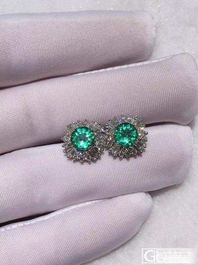 祖母绿耳钉一对_刻面宝石祖母绿