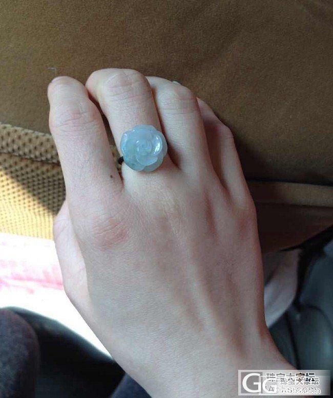 38元的翡翠花戒,很喜欢啊,哈哈~_翡翠
