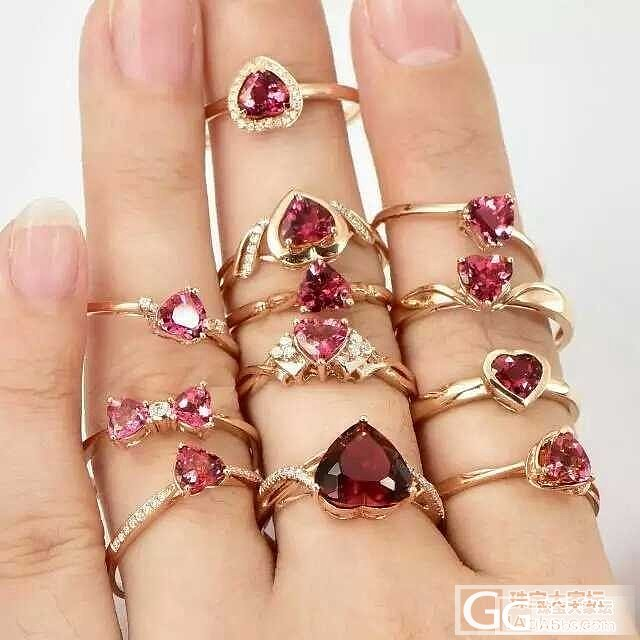 我发现最近流行这样拍宝石- - 逼死..._戒指彩色宝石