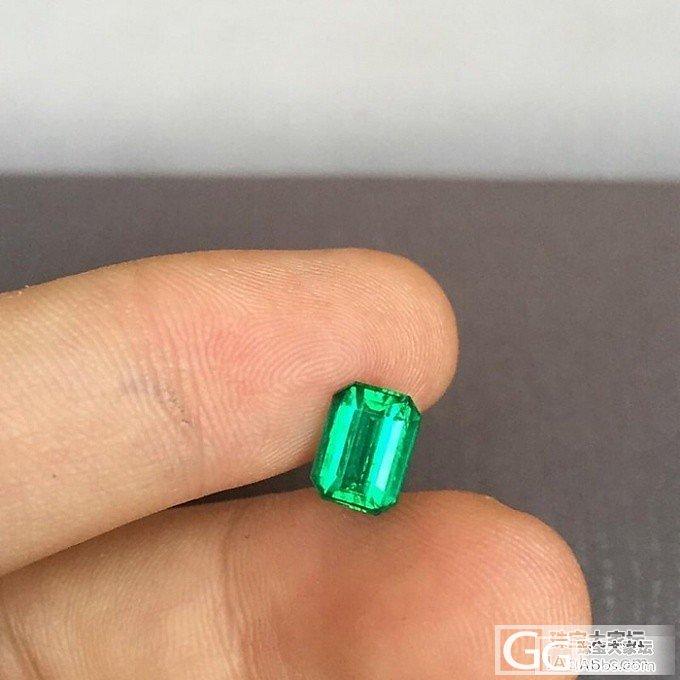 1.20克拉vivid green 祖母绿,木佐色_祖母绿珠宝