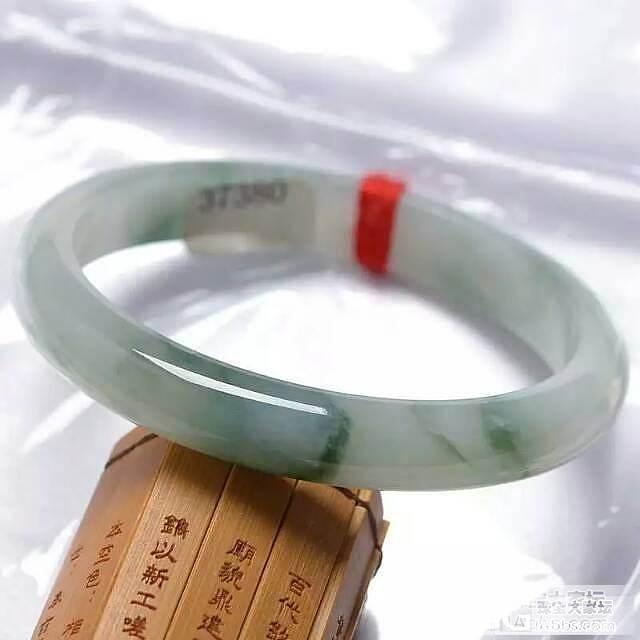 【大家来讨论】看看大家送妈妈什么礼物?_手镯翡翠
