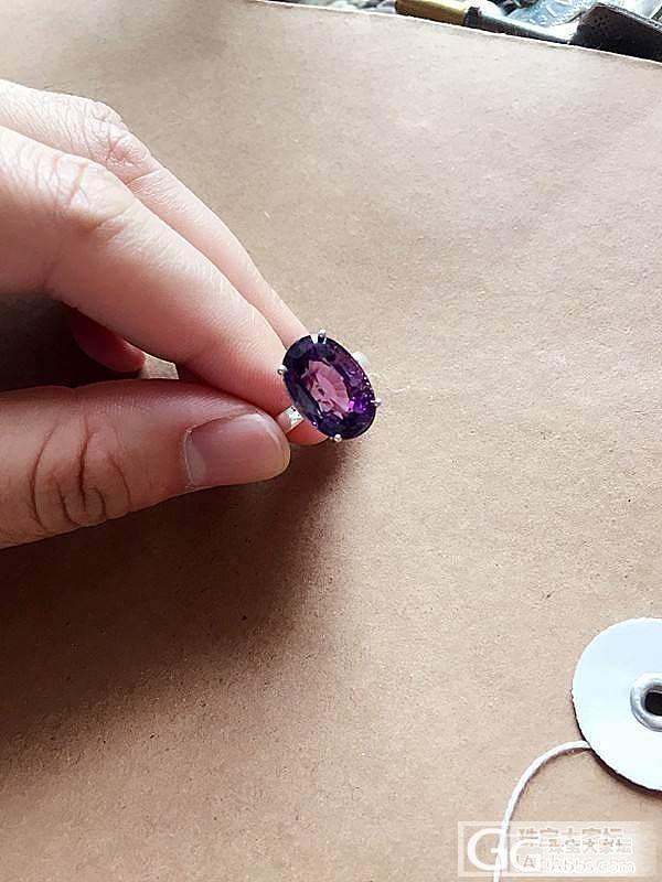 等了半个月的紫水晶戒指到了~!_戒指刻面宝石水晶