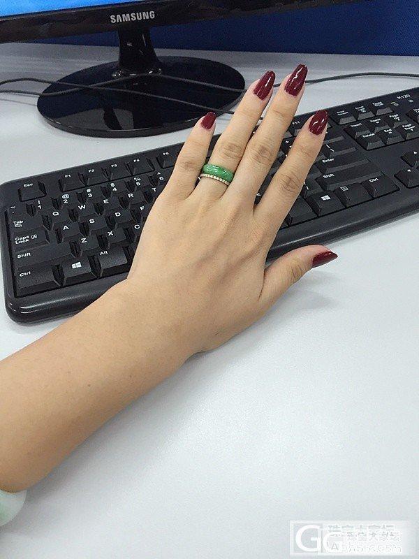新宠!秀个收了一段时间的绿翡翠指环~_翡翠