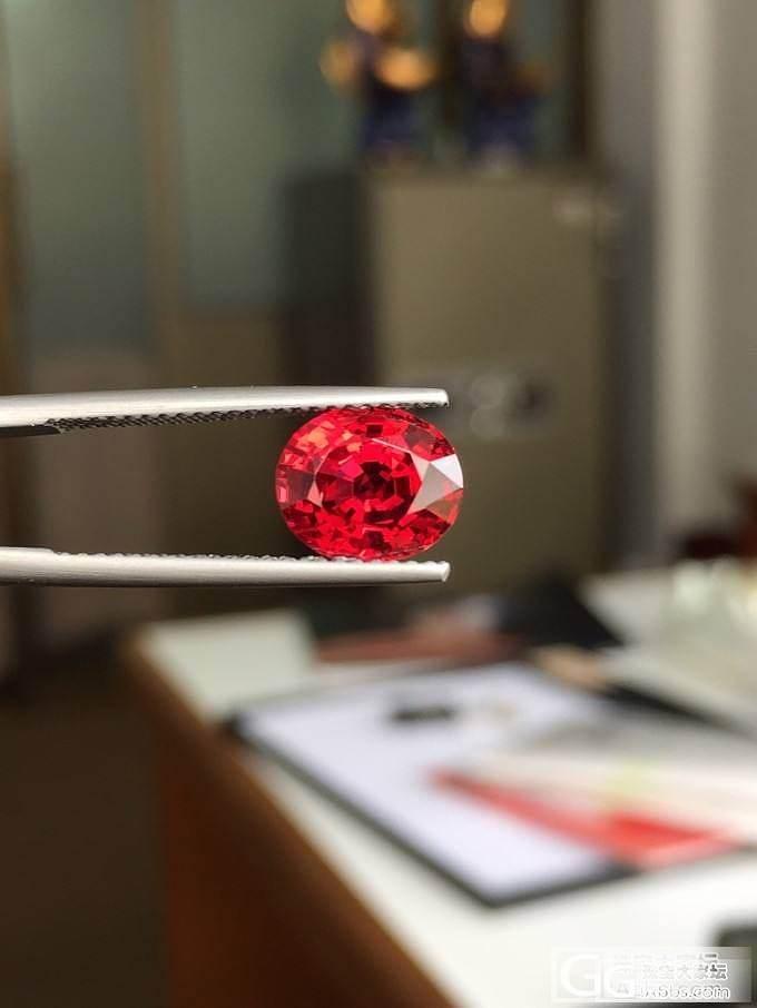 缅甸2卡尖晶,玻璃体,十倍下都干干净净,大家欣赏下,觉得好看不!_尖晶石