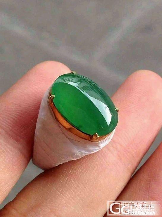 冰种满绿戒面,饱满,有不明显的小石纹..._翡翠