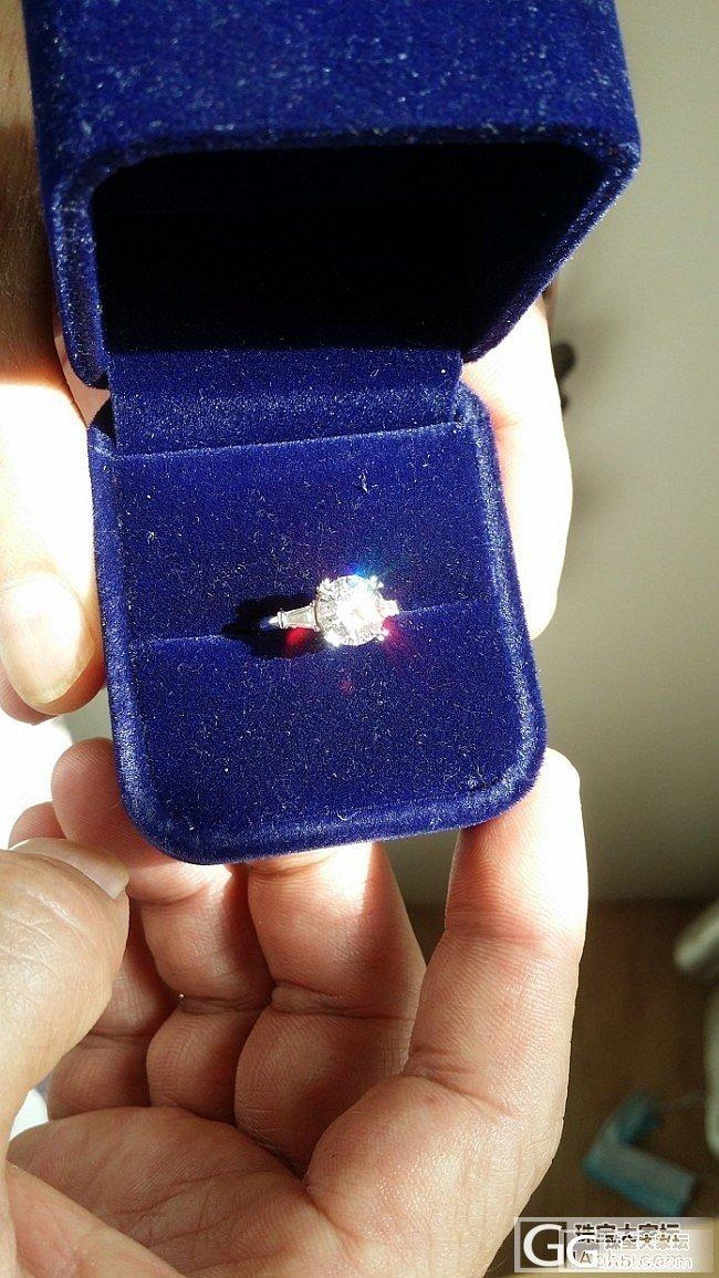 钻戒镶好了,裸石来自enchanted diamonds_钻石