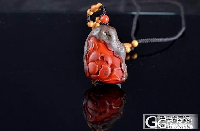 """发一张川料""""包浆石""""带皮雕刻的莲花,红的惊心动魄!_南红"""