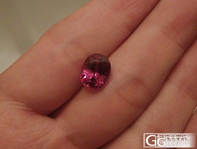 malaya一颗_石榴石刻面宝石