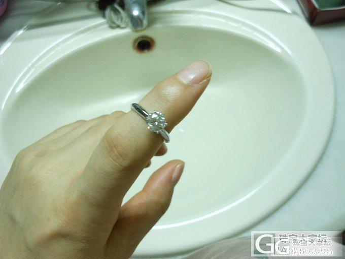 定制的莫桑石戒指终于收到啦~~渣图勿..._莫桑石
