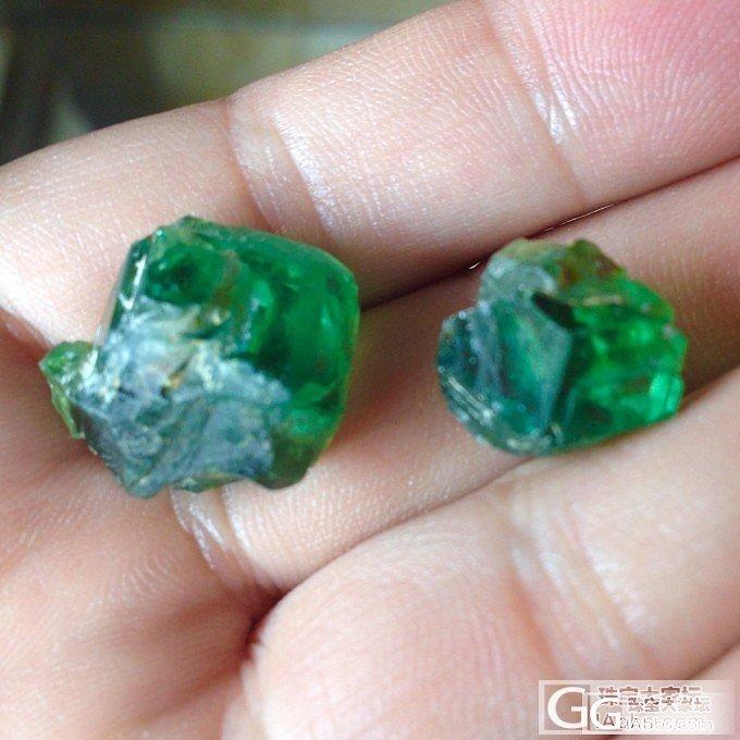 纳米比亚翠榴的色与火!补充第一颗切割前的原石图,供对比欣赏!_石榴石刻面宝石