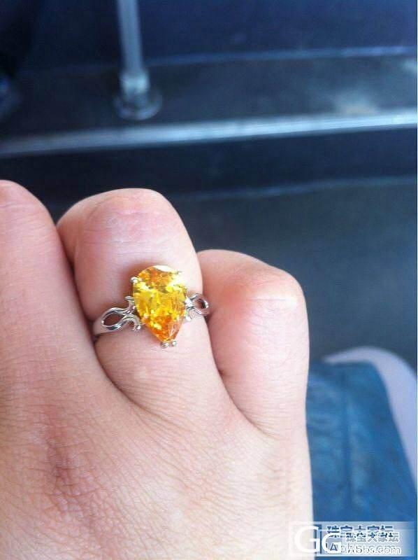 新鲜刚取回的黄水晶戒指_刻面宝石水晶
