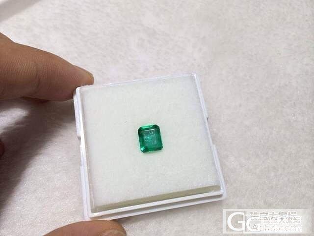 帮忙看看这颗小绿如何价格多少_祖母绿