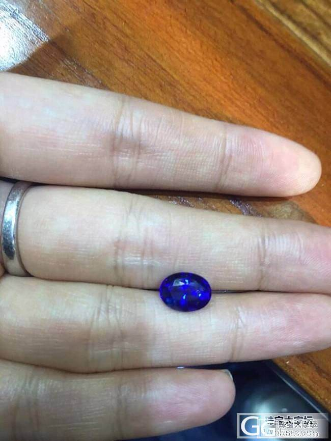无烧斯里兰卡蓝宝,猜猜多大的?_蓝宝石珠宝