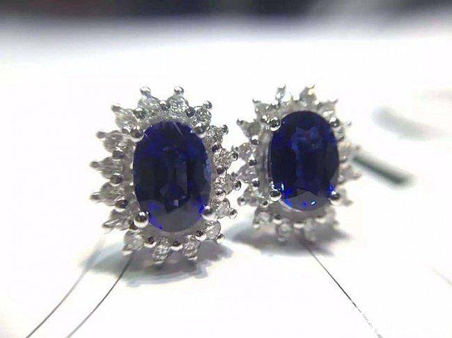 【7.6日18K钻石镶嵌皇家蓝蓝宝石..._泰勒珠宝