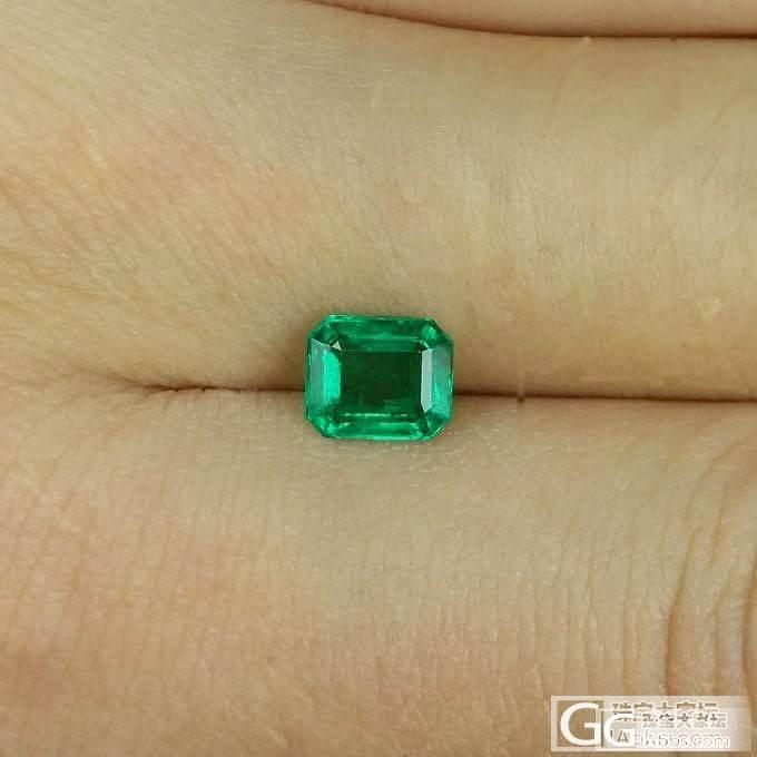 LEAS俪思彩宝 0.99ct赞比亚祖母绿_宝石