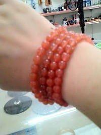 出两串4MM南红手串,108颗珠一个..._传统玉石