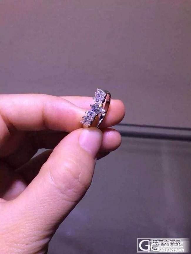 这个戒指蛮特别的,梯形马眼造型儿!_钻石