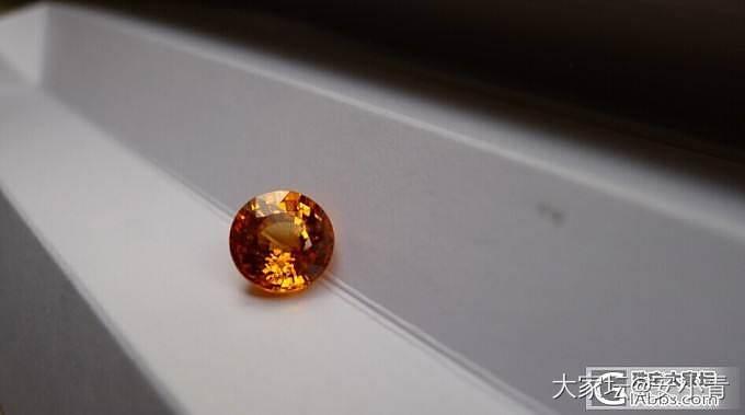 补几张亮光下图 黄调橙芬达 补几张亮光下图_石榴石刻面宝石