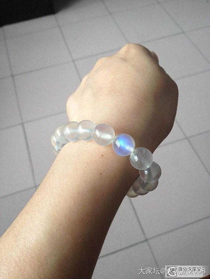 来晒晒生平第一串11mm高冰蓝月手链_月光石
