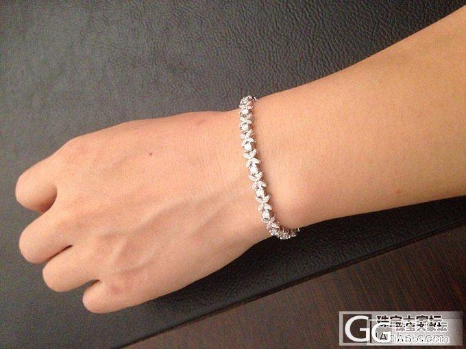 盼望已久的钻钻手链终于到手了,闪闪的哟·~_钻石
