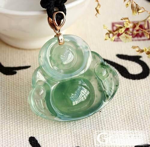 玻璃种A货翡翠绿水坐佛,哇~ 太漂亮了_珠宝