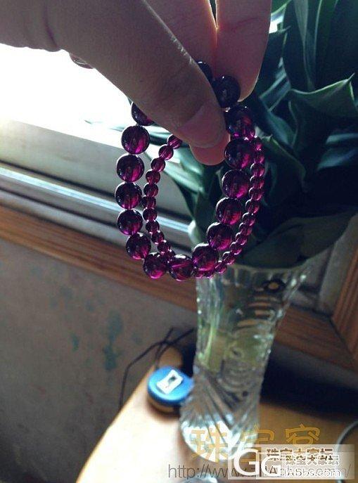 出一串紫牙乌石榴石手串枚红色很漂亮_宝石