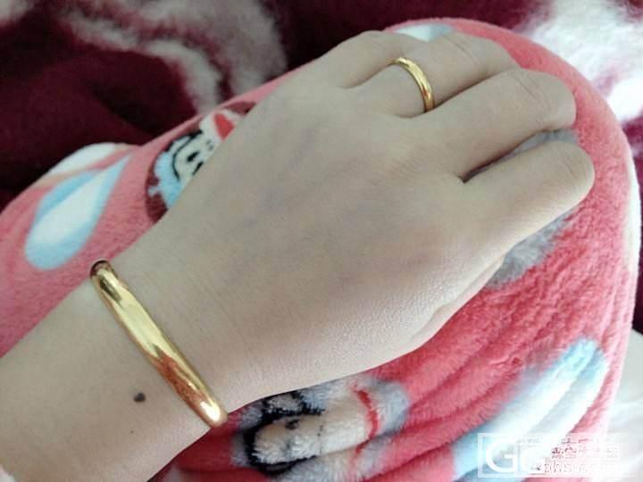 我的小重器周大福贵妃,选了很久,这款耐用、经久、显金、却不张扬!_手镯戒指金