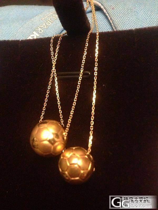 迎合世界杯晒个流行的足球黄金项链啊_项链金