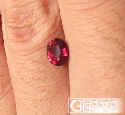 一颗尖晶缅甸的Hot.艳色1.3卡_宝石