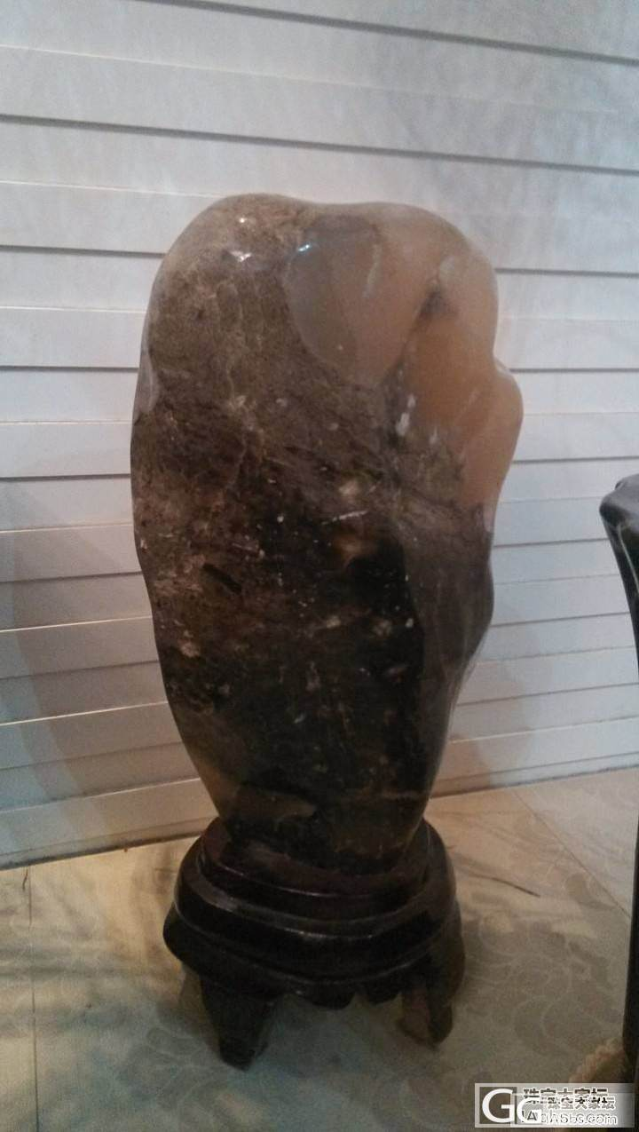 看看这个是什么石头?_原石和田玉