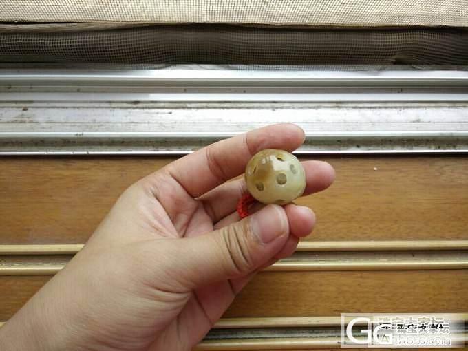 和田玉黄白老玉三脚金蟾绣球~底下的珠..._传统玉石