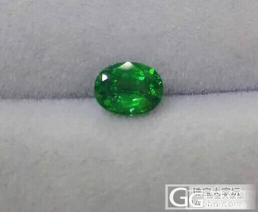 电光绿 2.1克拉求价_沙弗莱刻面宝石