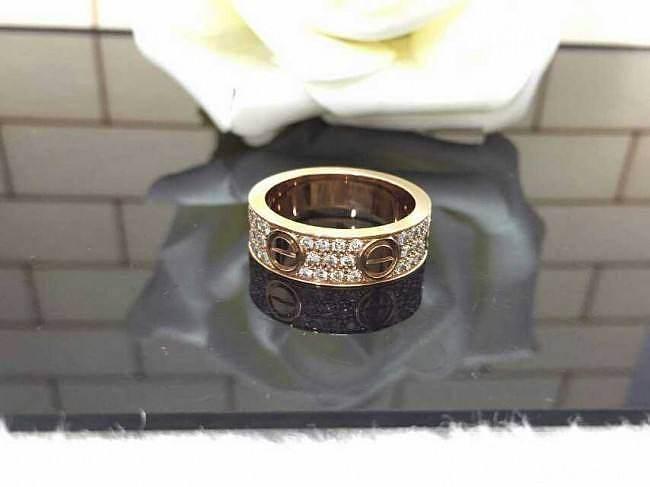 卡地亚有几个款还是比较经典的 先自留..._戒指金