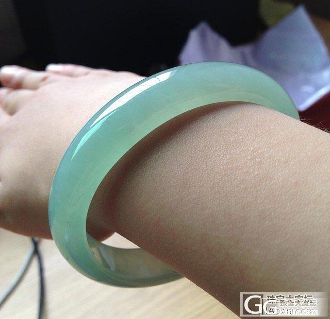 冰化地果绿:贵妃手镯_翡翠