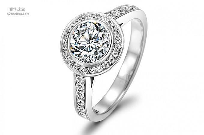 帮忙看看哪个款式好看,谢谢!_钻石