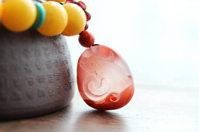 今天搭配出来的几款蜜蜡手串_有机宝石