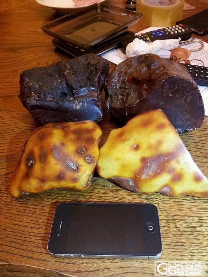 发几块朋友的大蜜蜡原石,感兴趣的可以私信_蜜蜡