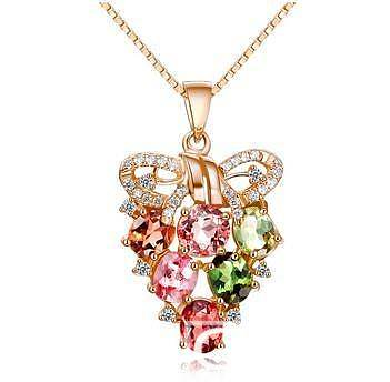 男孩送女孩水晶项链的含义_水晶
