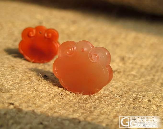 姿涵的石头—南红宝宝锁酷似金鱼的灵性_传统玉石