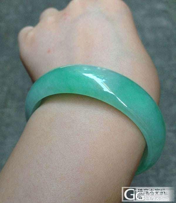 又一只被秒掉的冰糯阳绿镯镯_珠宝