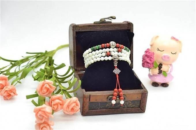 自己穿了几条手链,姐妹们提提意见_珠宝