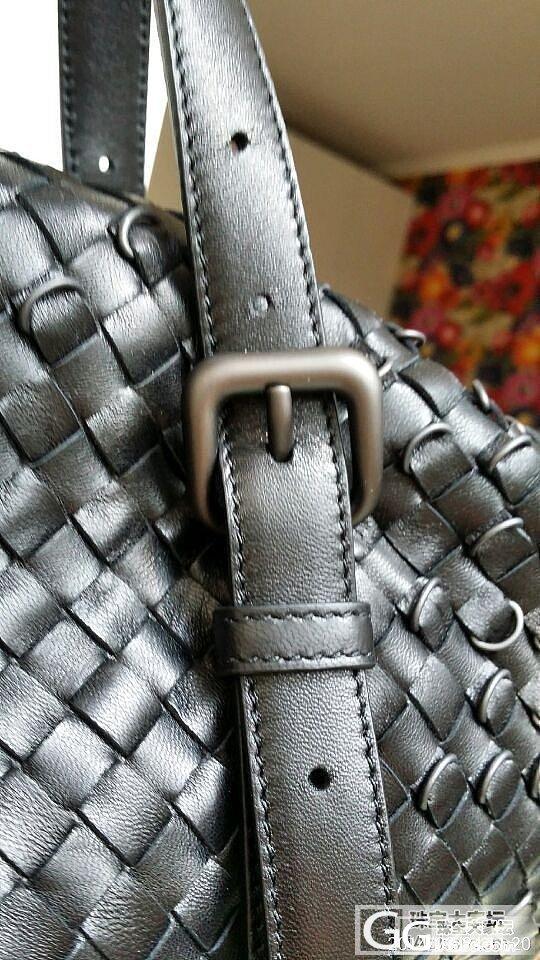 超低价转让一只全新BV羊皮编织两用包..._品质生活