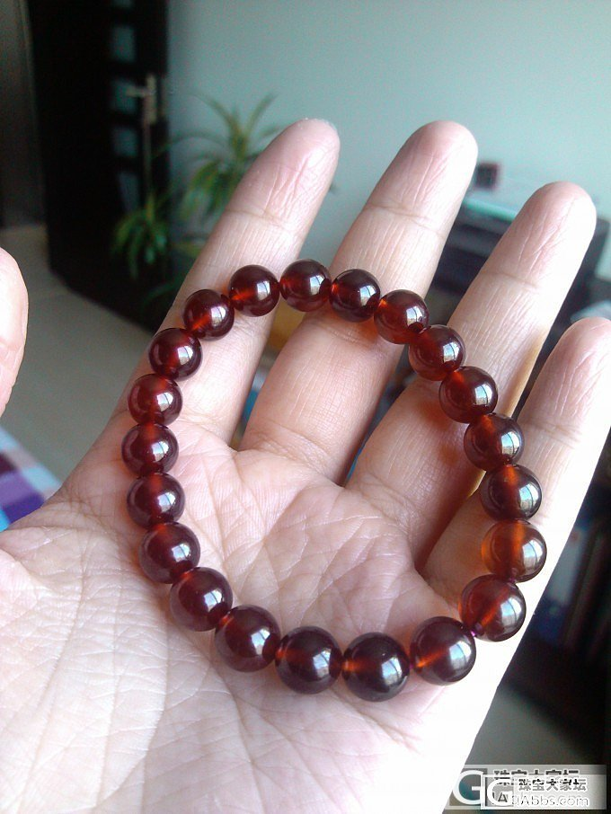 不同颜色石榴石珠子上手直观比较_珠串石榴石