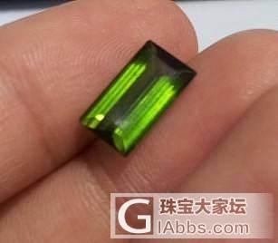 这两个绿色的哪个绿色是好的哈?求指点_碧玺刻面宝石