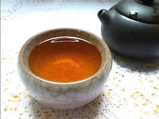 特价包邮,碳焙陈年老茶浓香铁观音,口感佳,暖胃乌龙茶,还有好礼送_珠宝