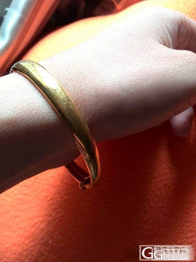 结婚戴到现在的手镯及劳动节去编的手链..._手镯珠串金